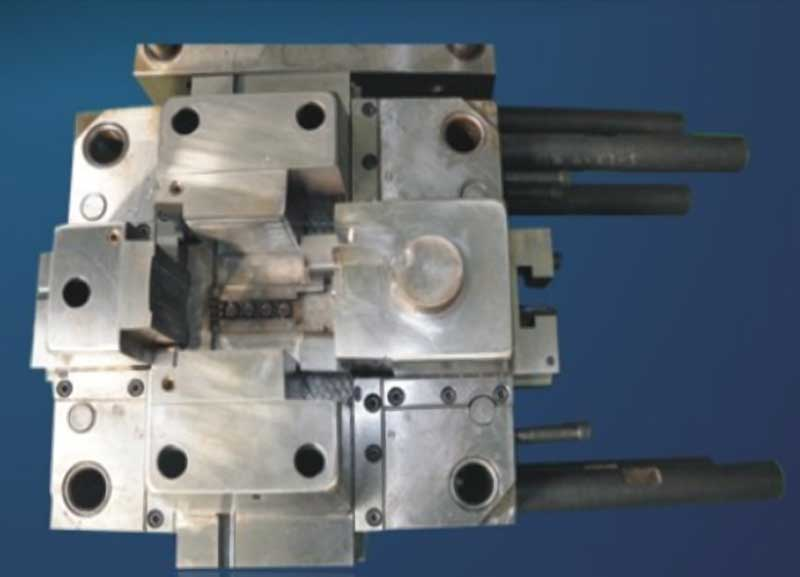 Die Casting Mold with 4 Sliders